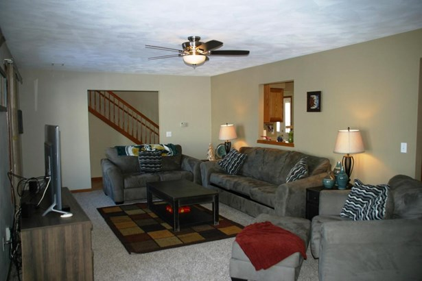Water Access/Rights, 2 Story - Delavan, WI (photo 4)