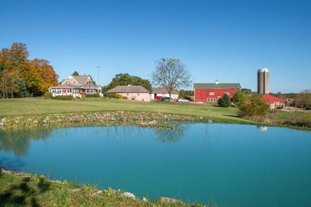 Farm House, 2 Story - Burlington, WI