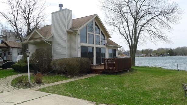 1.5 Story, Contemporary - Delavan, WI (photo 1)