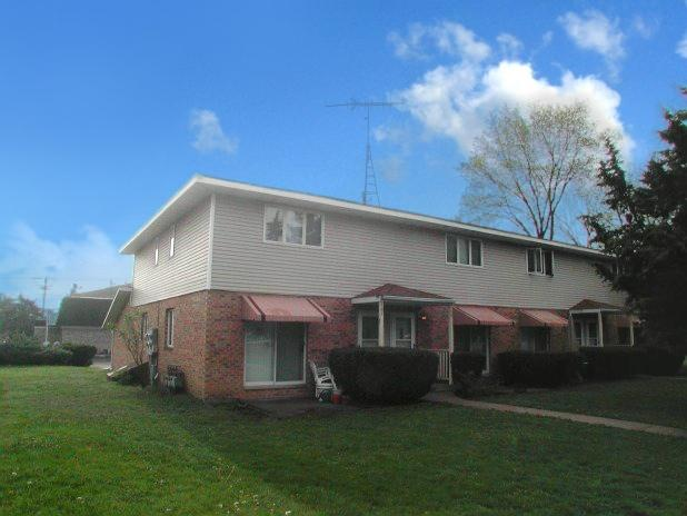 Apartment Building,Townhouse - Williams Bay, WI (photo 1)