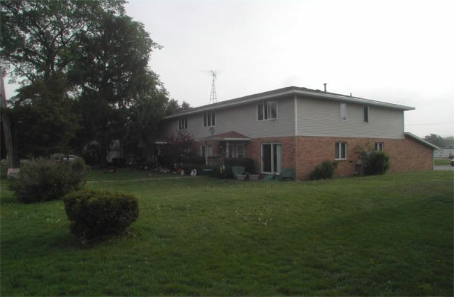 Apartment Building,Townhouse - Williams Bay, WI (photo 4)