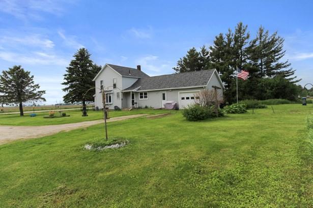 Farm House, 2 Story - Elkhorn, WI