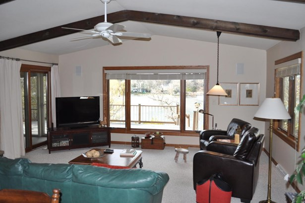 Contemporary, 2 Story - Elkhorn, WI (photo 3)