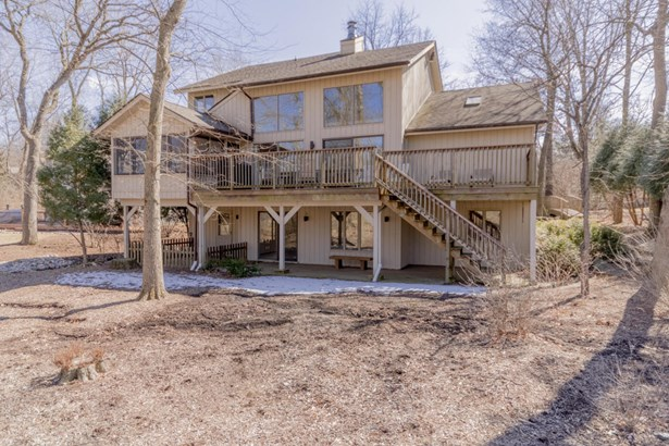 Single Family/Detached,Water Access/Rights - Fontana, WI (photo 2)