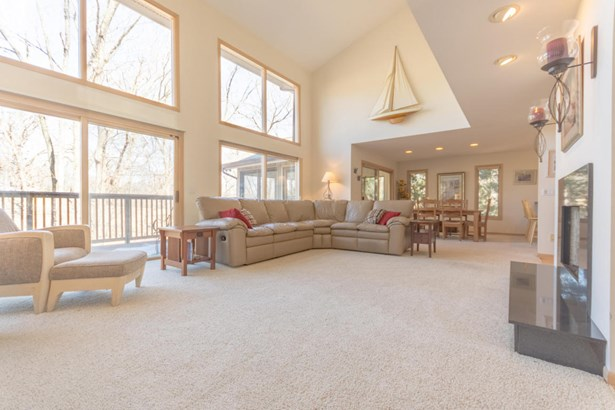 Single Family/Detached,Water Access/Rights - Fontana, WI (photo 3)