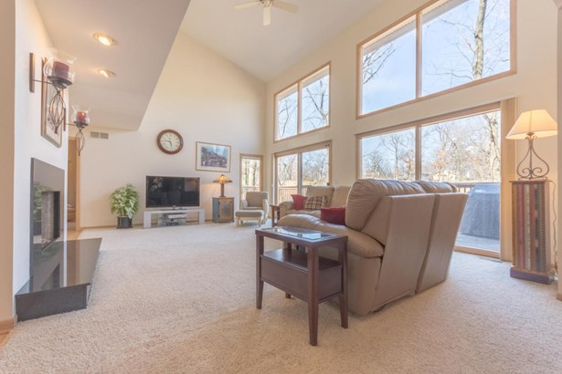 Single Family/Detached,Water Access/Rights - Fontana, WI (photo 4)