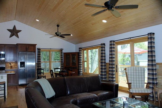 1 Story, Ranch - Elkhorn, WI (photo 3)