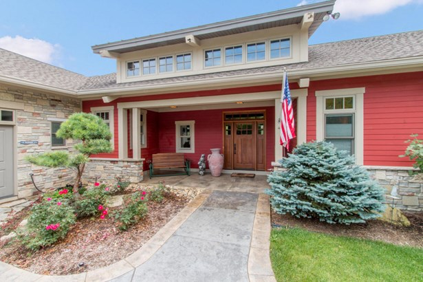 Exposed Basement, Contemporary,Raised Ranch,Ranch - Elkhorn, WI (photo 1)