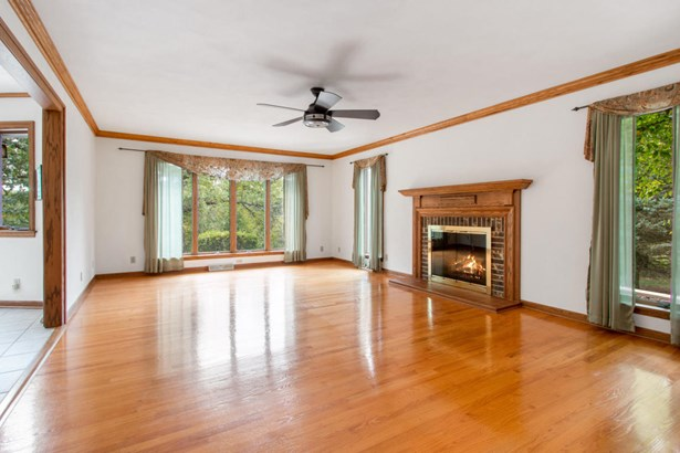 2 Story - Elkhorn, WI (photo 2)