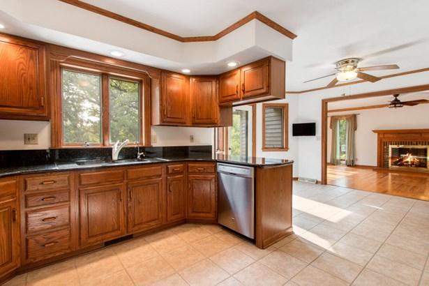 2 Story - Elkhorn, WI (photo 4)