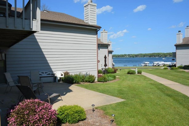 View of Water,Water Access/Rights,Waterfrontage on Lot - 2 Story (photo 1)