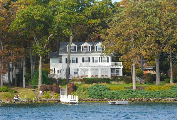 Cape Cod, Multi-Level - Lake Geneva, WI