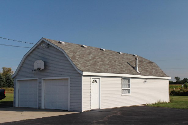 Colonial,Farm House, 2 Story - Whitewater, WI (photo 4)