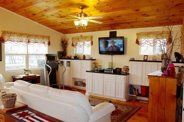 1 Story, Ranch - Darien, WI (photo 3)