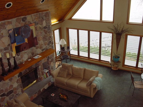 Contemporary, 2 Story,Exposed Basement - Elkhorn, WI (photo 2)