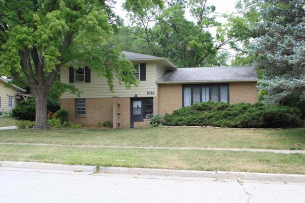 1913 Hunziker Drive, Ames, IA - USA (photo 1)