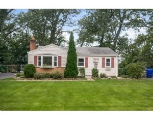 236 W Allen Ridge Rd, Springfield, MA - USA (photo 1)