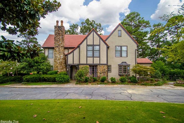 Tudor, Detached - Little Rock, AR