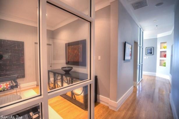 Traditional,Contemporary, Condo/Townhse/Duplex/Apt - Little Rock, AR (photo 2)