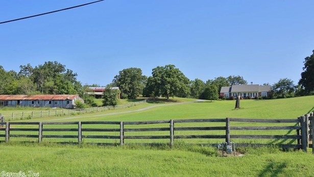 Colonial,Ranch, Detached - Little Rock, AR (photo 5)