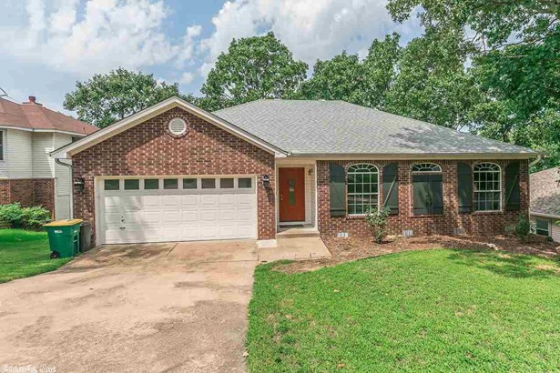 Traditional, Detached - North Little Rock, AR