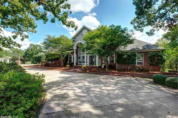 Traditional,Colonial, Detached - Little Rock, AR (photo 1)