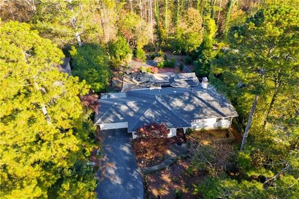 Single Family Residence, Ranch - Sandy Springs, GA