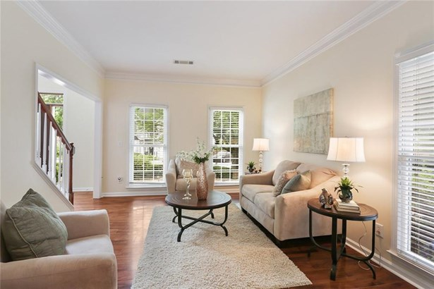 Residential Detached, Traditional - Dunwoody, GA (photo 4)