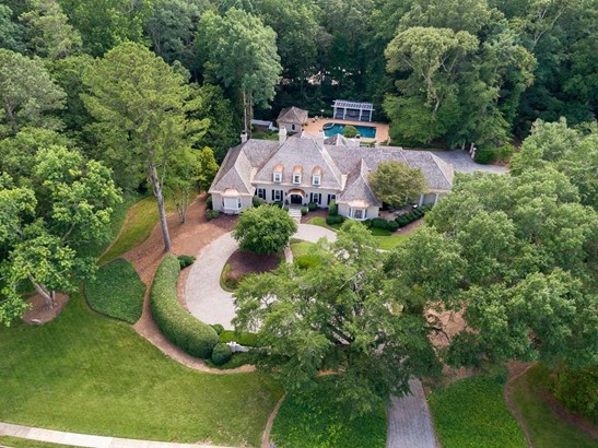 Residential Detached, Traditional - Sandy Springs, GA (photo 2)