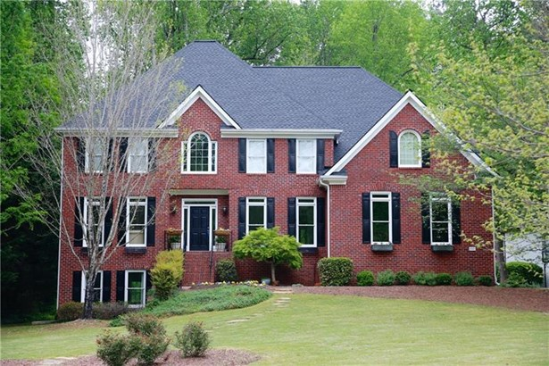 Single Family Residence, Traditional - Roswell, GA