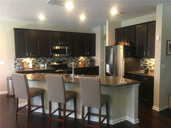 Townhouse, Attached - Brookhaven, GA (photo 3)