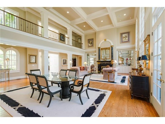 European,Traditional, Residential Detached - Sandy Springs, GA (photo 5)