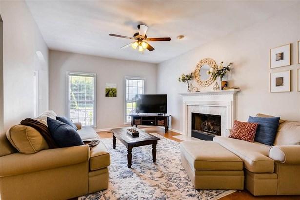 Residential Detached, Traditional - Smyrna, GA (photo 5)