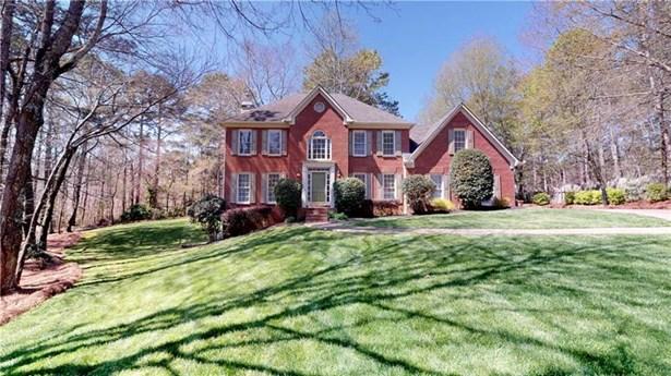 Single Family Residence, Traditional - Cumming, GA