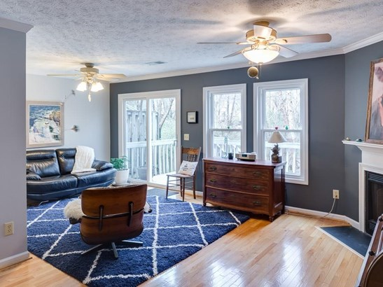 Traditional, Built as Townhouse - Peachtree Corners, GA (photo 3)