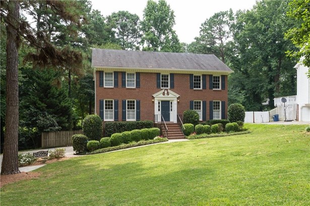 Residential Detached, Colonial - Peachtree Corners, GA (photo 1)