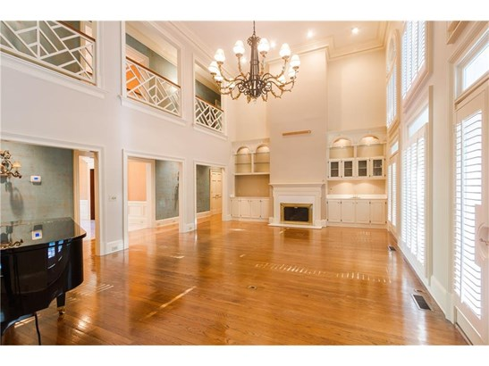 Residential Detached, Traditional - Sandy Springs, GA (photo 4)