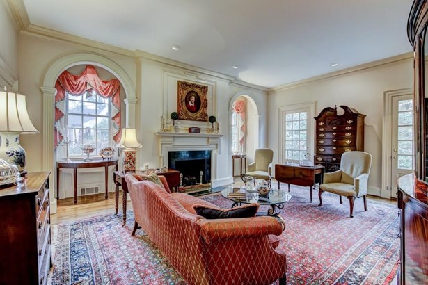 Colonial,Traditional, Residential Detached - Atlanta, GA (photo 2)