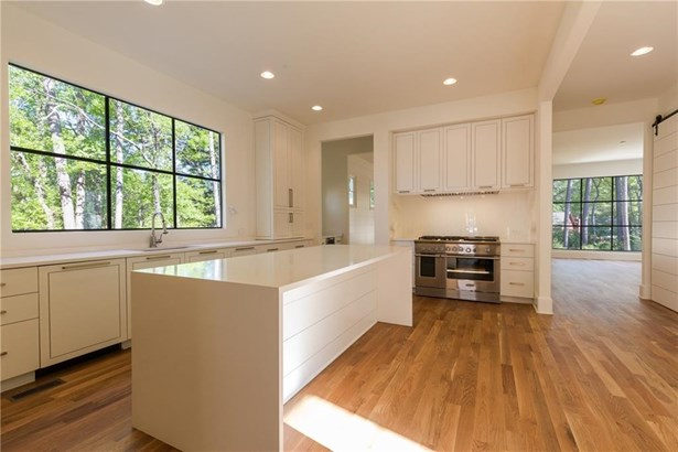 Residential Detached, French Provncial,Traditional - Smyrna, GA (photo 4)