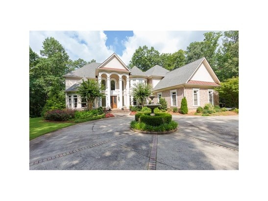 European,Traditional, Residential Detached - Sandy Springs, GA (photo 2)