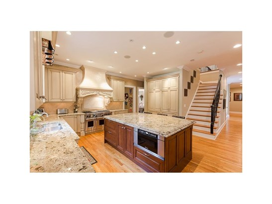 European,Traditional, Residential Detached - Sandy Springs, GA (photo 3)
