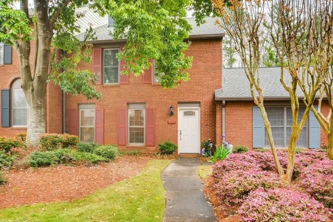 Traditional, Built As Condominium - Peachtree Corners, GA (photo 1)