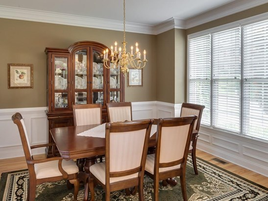 Colonial,Traditional, Residential Detached - Acworth, GA (photo 5)