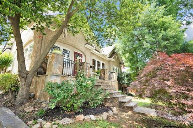Residential Detached, Bungalow - Atlanta, GA (photo 2)
