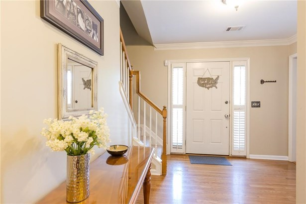 Residential Detached, Traditional - Peachtree Corners, GA (photo 4)