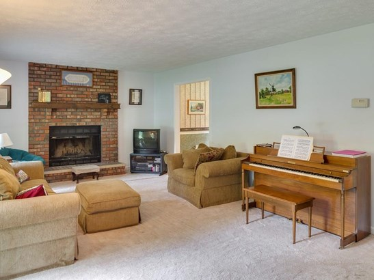 Residential Detached, Cape Cod,Traditional - Woodstock, GA (photo 5)