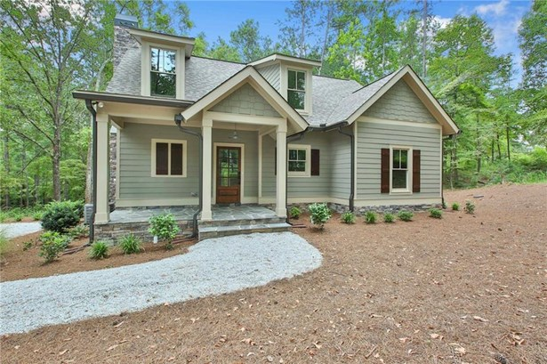 Residential Detached, Bungalow,Cabin - Newnan, GA (photo 1)