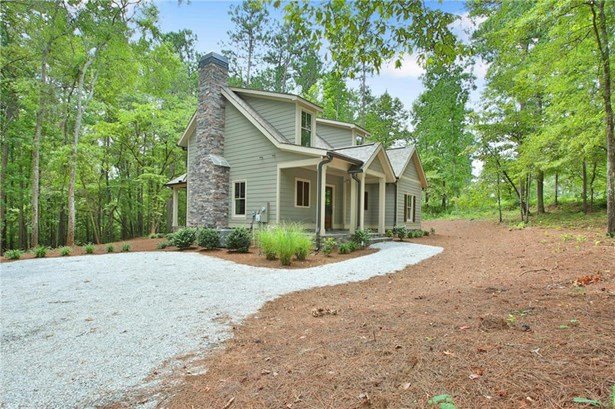 Residential Detached, Bungalow,Cabin - Newnan, GA (photo 2)