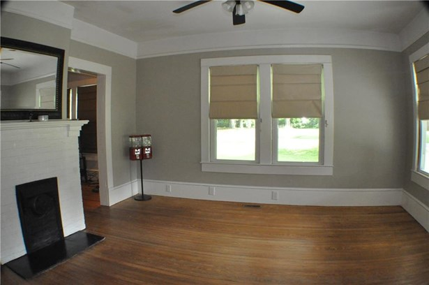 Residential Detached, Cottage,Other - Fairburn, GA (photo 3)