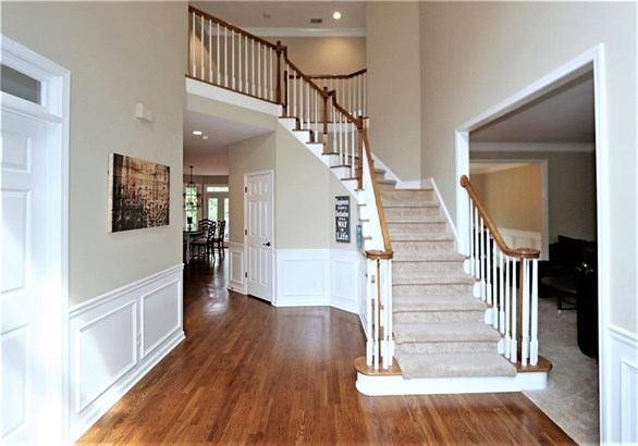 Residential Detached, Traditional - Johns Creek, GA (photo 4)